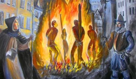 Oameni arsi pe rug