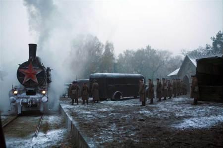 Trenul mortii aduce ofiterii polonezi pentru a fi executati de rusi