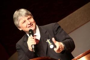 PASTOR PASCHOAL PIRAGINE JR. - BISERICA BAPTISTĂ CURITIBA - BRAZILIA