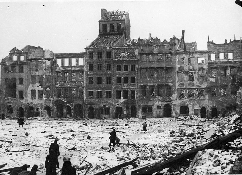 VARSOVIA (CENTRUL VECHI) DUPA RAZBOI (1945)
