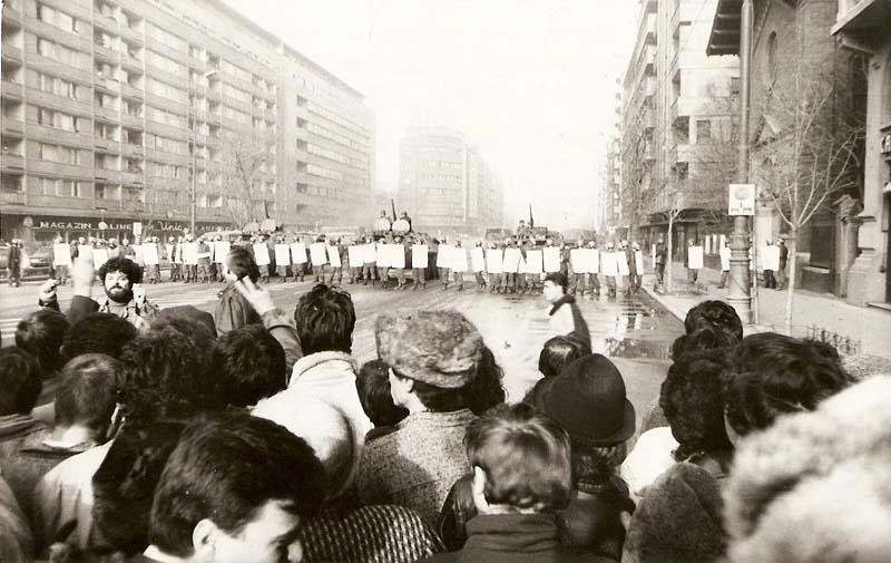 REVOLUTIA ROMANA IN CENTRUL BUCURESTIULUI (21 DECEMBRIE 1989)